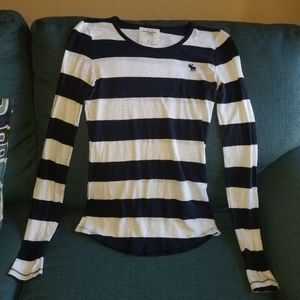 🌻Abercrombie & fitch striped top